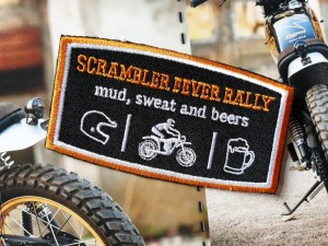 SCRAMBLER FEVER RALLY NASZYWKA MUD SWEAT AND BEERS CUSTOM MOTORCYCLES RED HOT CHILI CUSTOMS CAFE RACER HARLEY BOBBER CHOPPER PREZENT